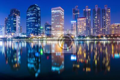 Постер Бангкок Бангкок город в ночь с отражением skylineБангкок<br>Постер на холсте или бумаге. Любого нужного вам размера. В раме или без. Подвес в комплекте. Трехслойная надежная упаковка. Доставим в любую точку России. Вам осталось только повесить картину на стену!<br>