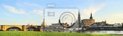 Постер Дрезден ДрезденДрезден<br>Постер на холсте или бумаге. Любого нужного вам размера. В раме или без. Подвес в комплекте. Трехслойная надежная упаковка. Доставим в любую точку России. Вам осталось только повесить картину на стену!<br>