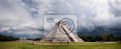 Постер Мехико Пирамиды Майя, панорама Чичен-ица, МексикаМехико<br>Постер на холсте или бумаге. Любого нужного вам размера. В раме или без. Подвес в комплекте. Трехслойная надежная упаковка. Доставим в любую точку России. Вам осталось только повесить картину на стену!<br>