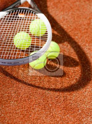 Постер Большой теннис Вблизи вид теннисные ракетки и мячиБольшой теннис<br>Постер на холсте или бумаге. Любого нужного вам размера. В раме или без. Подвес в комплекте. Трехслойная надежная упаковка. Доставим в любую точку России. Вам осталось только повесить картину на стену!<br>