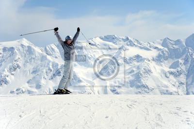 Радостный женский лыжник, 30x20 см, на бумагеГорные лыжи<br>Постер на холсте или бумаге. Любого нужного вам размера. В раме или без. Подвес в комплекте. Трехслойная надежная упаковка. Доставим в любую точку России. Вам осталось только повесить картину на стену!<br>