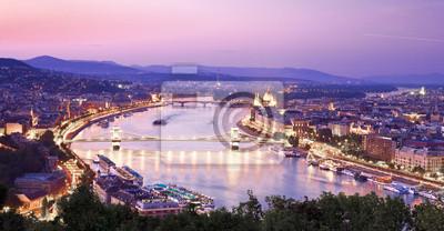 Постер Венгрия Вид на Будапешт с ДунаяВенгрия<br>Постер на холсте или бумаге. Любого нужного вам размера. В раме или без. Подвес в комплекте. Трехслойная надежная упаковка. Доставим в любую точку России. Вам осталось только повесить картину на стену!<br>