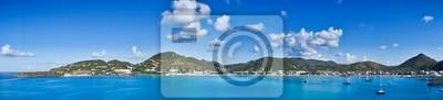 Постер Карибы Красивая панорама Philipsburg, Святой Мартин, Карибского бассейна IslanКарибы<br>Постер на холсте или бумаге. Любого нужного вам размера. В раме или без. Подвес в комплекте. Трехслойная надежная упаковка. Доставим в любую точку России. Вам осталось только повесить картину на стену!<br>