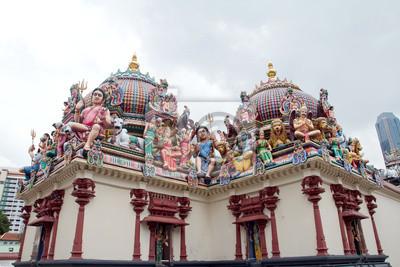 Постер Сингапур Деталь Sri Mariamman temple в СингапуреСингапур<br>Постер на холсте или бумаге. Любого нужного вам размера. В раме или без. Подвес в комплекте. Трехслойная надежная упаковка. Доставим в любую точку России. Вам осталось только повесить картину на стену!<br>