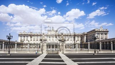 Постер Мадрид Мадридский Королевский Дворец. Паласио де Ориенте, Испания.Мадрид<br>Постер на холсте или бумаге. Любого нужного вам размера. В раме или без. Подвес в комплекте. Трехслойная надежная упаковка. Доставим в любую точку России. Вам осталось только повесить картину на стену!<br>