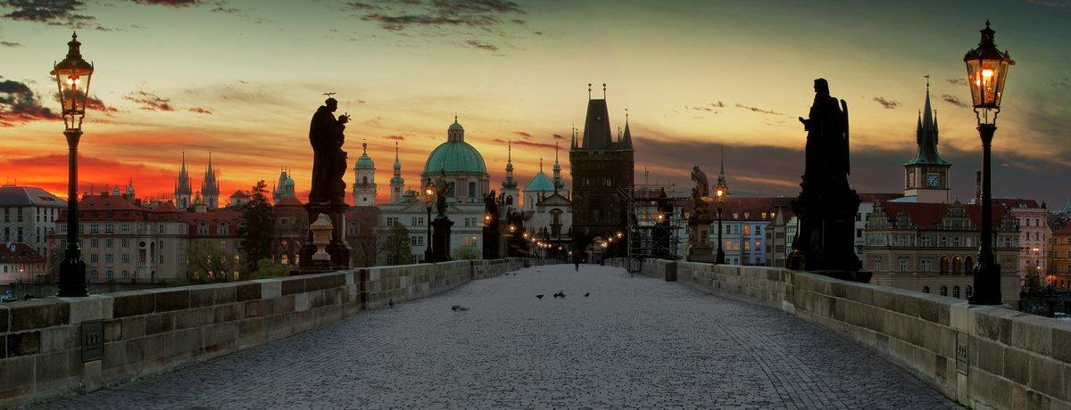Постер Прага Карлов Мост в ПрагеПрага<br>Постер на холсте или бумаге. Любого нужного вам размера. В раме или без. Подвес в комплекте. Трехслойная надежная упаковка. Доставим в любую точку России. Вам осталось только повесить картину на стену!<br>