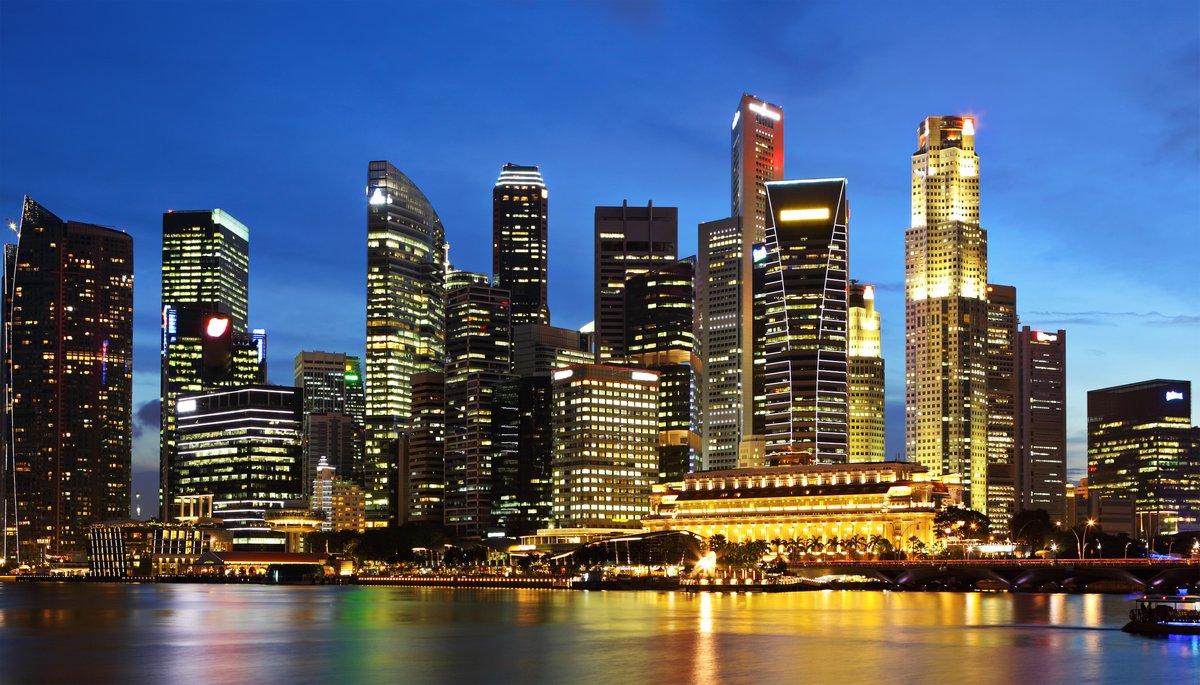 Постер Сингапур Сингапур-Город в сумеркахСингапур<br>Постер на холсте или бумаге. Любого нужного вам размера. В раме или без. Подвес в комплекте. Трехслойная надежная упаковка. Доставим в любую точку России. Вам осталось только повесить картину на стену!<br>