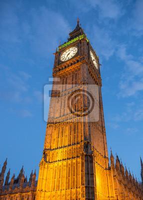 Постер Лондон Огни Биг-Бена в СумеркахЛондон<br>Постер на холсте или бумаге. Любого нужного вам размера. В раме или без. Подвес в комплекте. Трехслойная надежная упаковка. Доставим в любую точку России. Вам осталось только повесить картину на стену!<br>