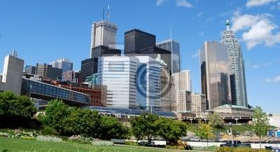 Постер Города и карты Высотных Зданий в Центре Торонто, Канада, 37x20 см, на бумагеТоронто<br>Постер на холсте или бумаге. Любого нужного вам размера. В раме или без. Подвес в комплекте. Трехслойная надежная упаковка. Доставим в любую точку России. Вам осталось только повесить картину на стену!<br>