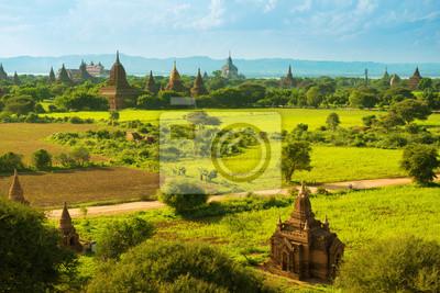 Постер Мьянма (Бирма) Баган храмыМьянма (Бирма)<br>Постер на холсте или бумаге. Любого нужного вам размера. В раме или без. Подвес в комплекте. Трехслойная надежная упаковка. Доставим в любую точку России. Вам осталось только повесить картину на стену!<br>