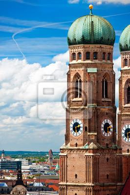 Постер Мюнхен Фрауенкирхе в Мюнхене, немецкийМюнхен<br>Постер на холсте или бумаге. Любого нужного вам размера. В раме или без. Подвес в комплекте. Трехслойная надежная упаковка. Доставим в любую точку России. Вам осталось только повесить картину на стену!<br>