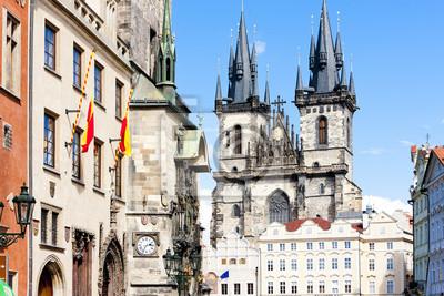 Tynsky церкви в Old Town Square, Прага, Чешская Республика, 30x20 см, на бумагеПрага<br>Постер на холсте или бумаге. Любого нужного вам размера. В раме или без. Подвес в комплекте. Трехслойная надежная упаковка. Доставим в любую точку России. Вам осталось только повесить картину на стену!<br>
