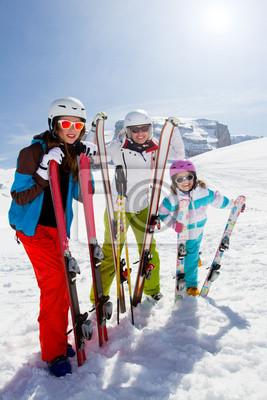 Катание на лыжах, зимние виды спорта - лыжников на гору, 20x30 см, на бумагеГорные лыжи<br>Постер на холсте или бумаге. Любого нужного вам размера. В раме или без. Подвес в комплекте. Трехслойная надежная упаковка. Доставим в любую точку России. Вам осталось только повесить картину на стену!<br>