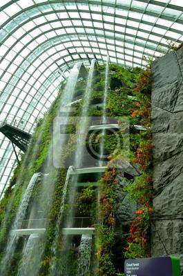 Постер Сингапур Искусственный водопад, СингапурСингапур<br>Постер на холсте или бумаге. Любого нужного вам размера. В раме или без. Подвес в комплекте. Трехслойная надежная упаковка. Доставим в любую точку России. Вам осталось только повесить картину на стену!<br>