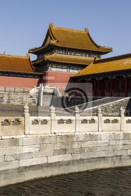 Постер Пекин Запретный Город и Храм ВодыПекин<br>Постер на холсте или бумаге. Любого нужного вам размера. В раме или без. Подвес в комплекте. Трехслойная надежная упаковка. Доставим в любую точку России. Вам осталось только повесить картину на стену!<br>