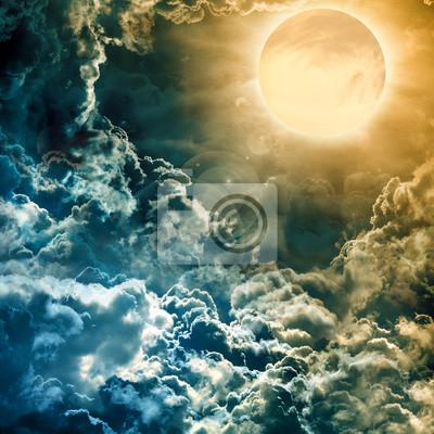 Постер Космос - разные постеры Полная луна над темное небо сКосмос - разные постеры<br>Постер на холсте или бумаге. Любого нужного вам размера. В раме или без. Подвес в комплекте. Трехслойная надежная упаковка. Доставим в любую точку России. Вам осталось только повесить картину на стену!<br>