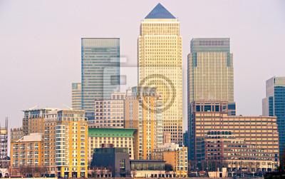 Постер Лондон Canary Wharf, Лондон, ВеликобританияЛондон<br>Постер на холсте или бумаге. Любого нужного вам размера. В раме или без. Подвес в комплекте. Трехслойная надежная упаковка. Доставим в любую точку России. Вам осталось только повесить картину на стену!<br>