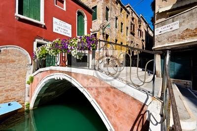 Постер Венеция Венеции мостВенеция<br>Постер на холсте или бумаге. Любого нужного вам размера. В раме или без. Подвес в комплекте. Трехслойная надежная упаковка. Доставим в любую точку России. Вам осталось только повесить картину на стену!<br>