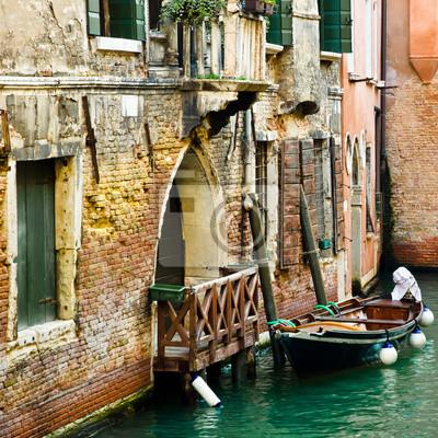 Постер Венеция Древней Венеции cВенеция<br>Постер на холсте или бумаге. Любого нужного вам размера. В раме или без. Подвес в комплекте. Трехслойная надежная упаковка. Доставим в любую точку России. Вам осталось только повесить картину на стену!<br>