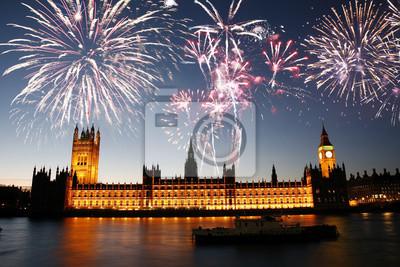 Постер Лондон Фейерверк над Вестминстерским дворцомЛондон<br>Постер на холсте или бумаге. Любого нужного вам размера. В раме или без. Подвес в комплекте. Трехслойная надежная упаковка. Доставим в любую точку России. Вам осталось только повесить картину на стену!<br>
