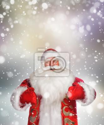 Постер Праздники Смеется счастливый Санта-Клаус над Снежинка фон, 20x24 см, на бумаге11.18 День рождения Деда Мороза<br>Постер на холсте или бумаге. Любого нужного вам размера. В раме или без. Подвес в комплекте. Трехслойная надежная упаковка. Доставим в любую точку России. Вам осталось только повесить картину на стену!<br>
