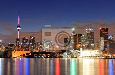 Постер Торонто Торонто городТоронто<br>Постер на холсте или бумаге. Любого нужного вам размера. В раме или без. Подвес в комплекте. Трехслойная надежная упаковка. Доставим в любую точку России. Вам осталось только повесить картину на стену!<br>