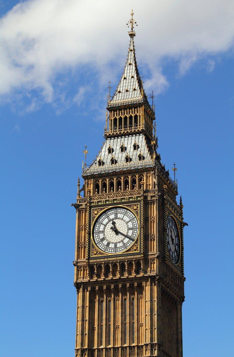 Постер Лондон Часовая башня Биг БенЛондон<br>Постер на холсте или бумаге. Любого нужного вам размера. В раме или без. Подвес в комплекте. Трехслойная надежная упаковка. Доставим в любую точку России. Вам осталось только повесить картину на стену!<br>