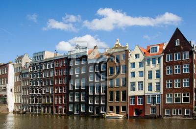 Постер Амстердам Фасад дома в АмстердамеАмстердам<br>Постер на холсте или бумаге. Любого нужного вам размера. В раме или без. Подвес в комплекте. Трехслойная надежная упаковка. Доставим в любую точку России. Вам осталось только повесить картину на стену!<br>