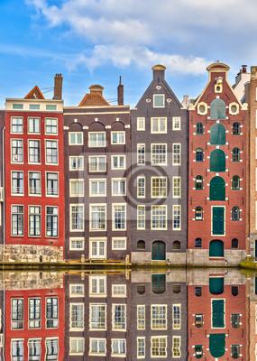 Постер Амстердам Традиционные голландские здания, АмстердамАмстердам<br>Постер на холсте или бумаге. Любого нужного вам размера. В раме или без. Подвес в комплекте. Трехслойная надежная упаковка. Доставим в любую точку России. Вам осталось только повесить картину на стену!<br>