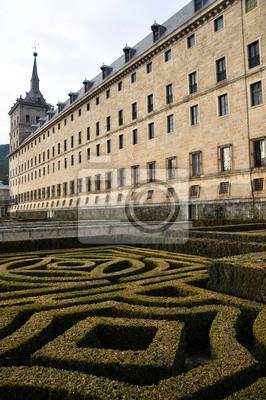 Постер Мадрид Реальный Monasterio de San Lorenzo de El Escorial, МадридМадрид<br>Постер на холсте или бумаге. Любого нужного вам размера. В раме или без. Подвес в комплекте. Трехслойная надежная упаковка. Доставим в любую точку России. Вам осталось только повесить картину на стену!<br>