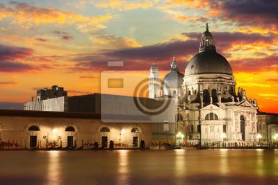 Постер Венеция Базилика Санта-Мария-делла-Салюте - ВенецияВенеция<br>Постер на холсте или бумаге. Любого нужного вам размера. В раме или без. Подвес в комплекте. Трехслойная надежная упаковка. Доставим в любую точку России. Вам осталось только повесить картину на стену!<br>