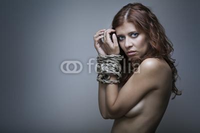 Женщина рабства, 30x20 см, на бумагеФотоэротика<br>Постер на холсте или бумаге. Любого нужного вам размера. В раме или без. Подвес в комплекте. Трехслойная надежная упаковка. Доставим в любую точку России. Вам осталось только повесить картину на стену!<br>