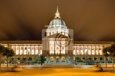 Постер Города и карты Мэрия Сан-Франциско, Civic Center в ночь, 30x20 см, на бумагеСан-Франциско<br>Постер на холсте или бумаге. Любого нужного вам размера. В раме или без. Подвес в комплекте. Трехслойная надежная упаковка. Доставим в любую точку России. Вам осталось только повесить картину на стену!<br>