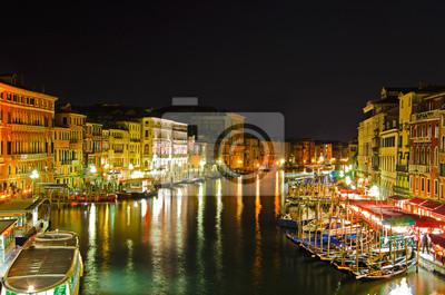 Постер Венеция Гранд-Канал на ночь, ВенецияВенеция<br>Постер на холсте или бумаге. Любого нужного вам размера. В раме или без. Подвес в комплекте. Трехслойная надежная упаковка. Доставим в любую точку России. Вам осталось только повесить картину на стену!<br>