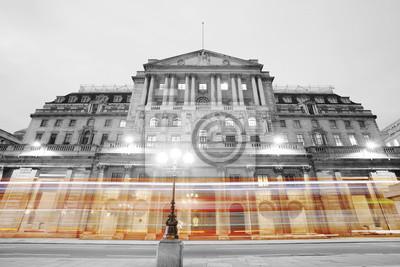 Постер Города и карты Банк Англии, 30x20 см, на бумагеЛондон<br>Постер на холсте или бумаге. Любого нужного вам размера. В раме или без. Подвес в комплекте. Трехслойная надежная упаковка. Доставим в любую точку России. Вам осталось только повесить картину на стену!<br>