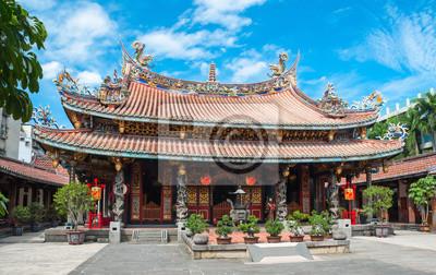 Постер Тайвань Colorfull буддийский храм в ТайваньТайвань<br>Постер на холсте или бумаге. Любого нужного вам размера. В раме или без. Подвес в комплекте. Трехслойная надежная упаковка. Доставим в любую точку России. Вам осталось только повесить картину на стену!<br>