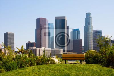 Постер Лос-Анджелес Небоскребы в Лос-Анджелесе с скамейку в планеЛос-Анджелес<br>Постер на холсте или бумаге. Любого нужного вам размера. В раме или без. Подвес в комплекте. Трехслойная надежная упаковка. Доставим в любую точку России. Вам осталось только повесить картину на стену!<br>