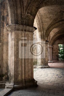 Постер Куба Древний испанский монастырь в Старой ГаваныКуба<br>Постер на холсте или бумаге. Любого нужного вам размера. В раме или без. Подвес в комплекте. Трехслойная надежная упаковка. Доставим в любую точку России. Вам осталось только повесить картину на стену!<br>