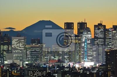 Постер Япония Skyline фон Токио mit Фудзи-СанЯпония<br>Постер на холсте или бумаге. Любого нужного вам размера. В раме или без. Подвес в комплекте. Трехслойная надежная упаковка. Доставим в любую точку России. Вам осталось только повесить картину на стену!<br>