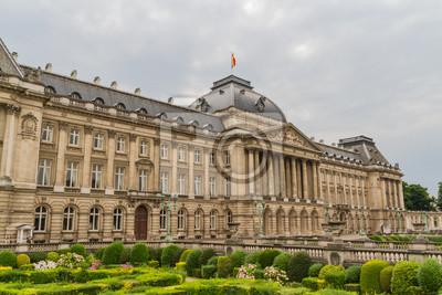 Постер Брюссель Королевский дворец вид из Place des Palais в историческом центреБрюссель<br>Постер на холсте или бумаге. Любого нужного вам размера. В раме или без. Подвес в комплекте. Трехслойная надежная упаковка. Доставим в любую точку России. Вам осталось только повесить картину на стену!<br>
