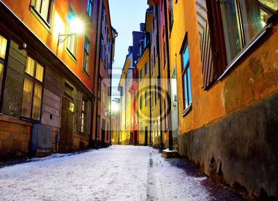 Постер Города и карты Узкой улице в Стокгольме, 28x20 см, на бумагеСтокгольм<br>Постер на холсте или бумаге. Любого нужного вам размера. В раме или без. Подвес в комплекте. Трехслойная надежная упаковка. Доставим в любую точку России. Вам осталось только повесить картину на стену!<br>