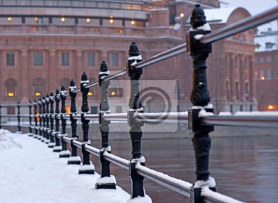 Постер Стокгольм Стокгольм здание парламента зимойСтокгольм<br>Постер на холсте или бумаге. Любого нужного вам размера. В раме или без. Подвес в комплекте. Трехслойная надежная упаковка. Доставим в любую точку России. Вам осталось только повесить картину на стену!<br>