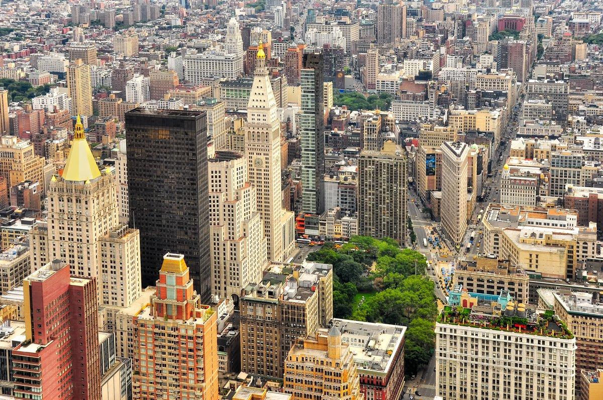 Постер Города и карты Нью-йоркского Манхэттена птица вид, 30x20 см, на бумагеНью-Йорк<br>Постер на холсте или бумаге. Любого нужного вам размера. В раме или без. Подвес в комплекте. Трехслойная надежная упаковка. Доставим в любую точку России. Вам осталось только повесить картину на стену!<br>
