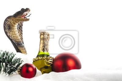 Постер Рептилии Праздник Новый годРептилии<br>Постер на холсте или бумаге. Любого нужного вам размера. В раме или без. Подвес в комплекте. Трехслойная надежная упаковка. Доставим в любую точку России. Вам осталось только повесить картину на стену!<br>