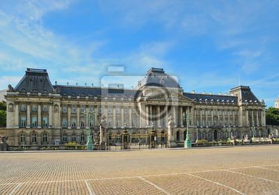 Постер Брюссель Королевский дворец в центре БрюсселяБрюссель<br>Постер на холсте или бумаге. Любого нужного вам размера. В раме или без. Подвес в комплекте. Трехслойная надежная упаковка. Доставим в любую точку России. Вам осталось только повесить картину на стену!<br>