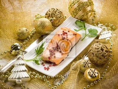 Лосось на гриле с розовым перцем на Рождественский стол, 27x20 см, на бумагеРесторан, кафе<br>Постер на холсте или бумаге. Любого нужного вам размера. В раме или без. Подвес в комплекте. Трехслойная надежная упаковка. Доставим в любую точку России. Вам осталось только повесить картину на стену!<br>