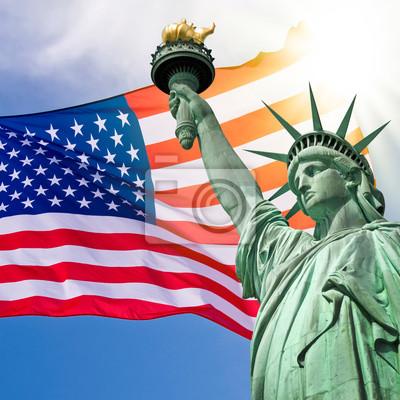 Постер Нью-Йорк Статуя Свободы carr?, любил ciel et drapeau - Нью-ЙоркНью-Йорк<br>Постер на холсте или бумаге. Любого нужного вам размера. В раме или без. Подвес в комплекте. Трехслойная надежная упаковка. Доставим в любую точку России. Вам осталось только повесить картину на стену!<br>