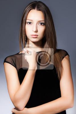 Постер Оформление офиса Девушка портрет в студии, 20x30 см, на бумагеСалон красоты<br>Постер на холсте или бумаге. Любого нужного вам размера. В раме или без. Подвес в комплекте. Трехслойная надежная упаковка. Доставим в любую точку России. Вам осталось только повесить картину на стену!<br>