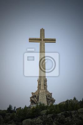 Постер Мадрид Христианский Крест в Долине Павших El Escorial Мадрид.Мадрид<br>Постер на холсте или бумаге. Любого нужного вам размера. В раме или без. Подвес в комплекте. Трехслойная надежная упаковка. Доставим в любую точку России. Вам осталось только повесить картину на стену!<br>
