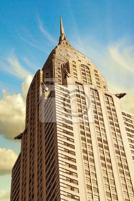 Постер Нью-Йорк Небоскребы Манхэттена с драматическими Небо на фонеНью-Йорк<br>Постер на холсте или бумаге. Любого нужного вам размера. В раме или без. Подвес в комплекте. Трехслойная надежная упаковка. Доставим в любую точку России. Вам осталось только повесить картину на стену!<br>